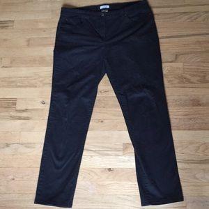 Great used condition black denim straight leg jean